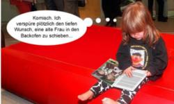Kind bei der Lektüre eines grimmschen Märchens (Dank an schandmaennchen.de)