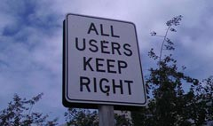 """All users keep right"" von magnetbox auf flickr.com"