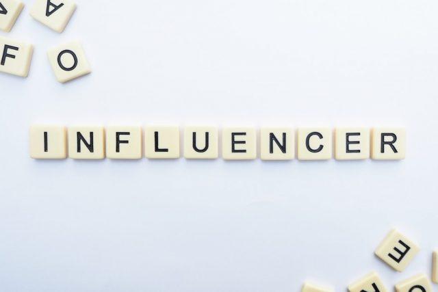 Influencer Lettering